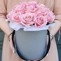 19 розовых роз в коробке R439